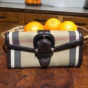 Burberry vintage buckle wallet